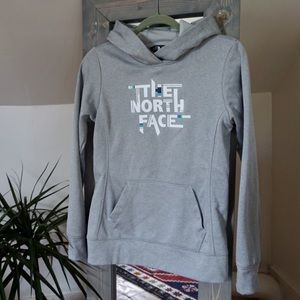 NWOT The North Face pullover hoodie